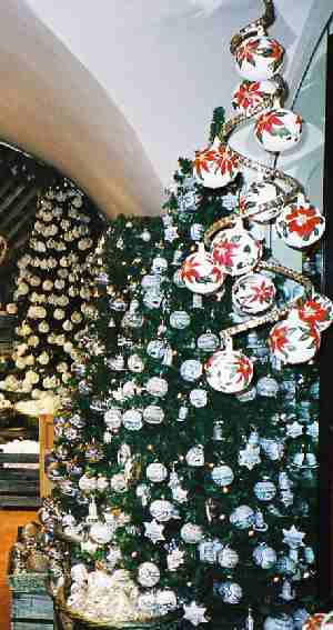 2003_XmasGoodsShop-1zoom