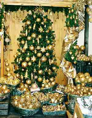 2003_XmasGoodsShop-2zoom
