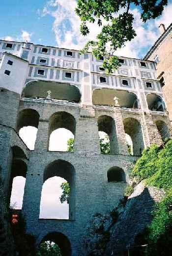 2004_CeskyKrumlov_Bridge01