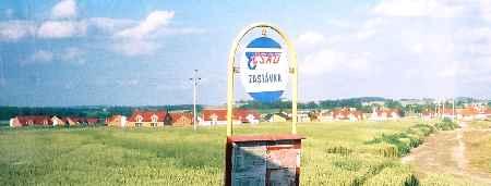 2004_CeskyKrumlov_BusStop_zoom