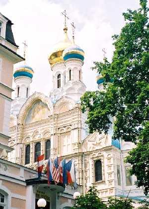 2004_KarlovyVary-RussianChurch-03zoom