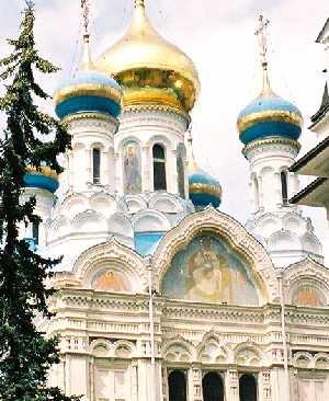 2004_KarlovyVary-RussianChurch-04zoom-02