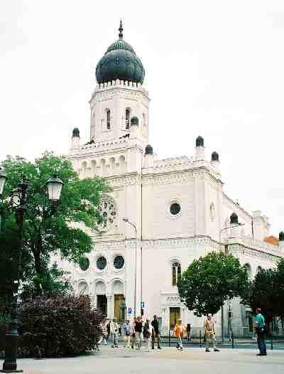 2004_KecskemetSinagoga