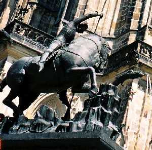 2004_Praha_StVitCathedral_zoom