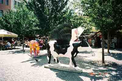 2004praha_cow4.JPG