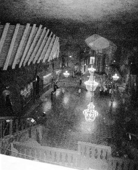 2005-WieliczkaSaltMine_Chapel_BlackWhite