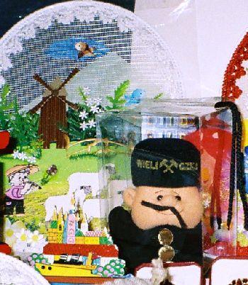 2005-WieliczkaSaltMine_Doll_zoom