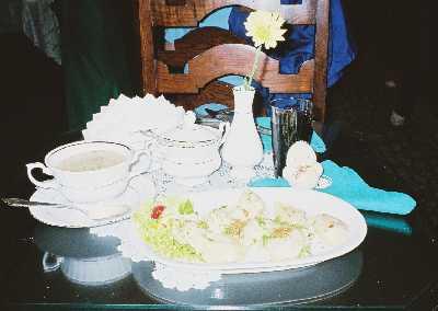 2005_Foods03_zurek_pierogi