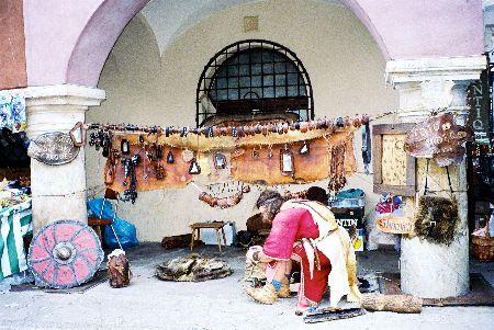 2005_Poznan_LeatherGoodsShop